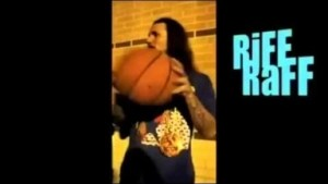 Video: MTV Riff Raff - Michael Jordan Jumper